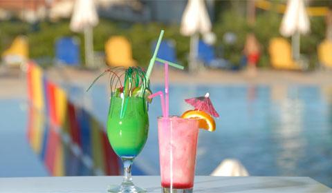 Почивка в Гърция! 5 нощувки със закуски и вечери в Хотел Atrium Palace 4*, Халкидики през Август и Септември!