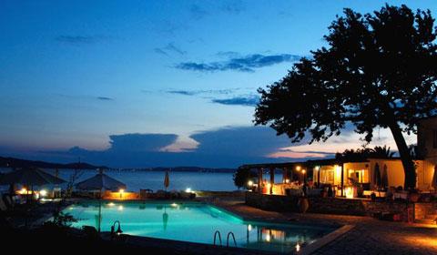 Last Minute!!! 3 нощувки със закуски и вечери в Hotel Xenia 4*, Халкидики през м.Юни!