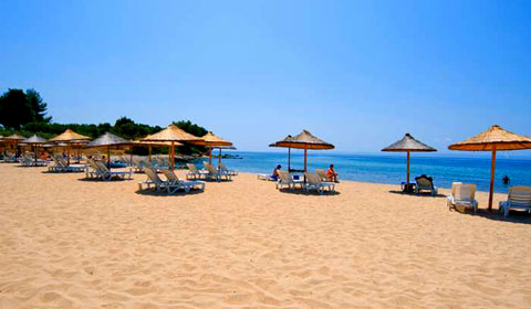 На море в Гърция през м. Юли! 5 нощувки All Inclusive в хотел Village Mare 4*, Халкидики!