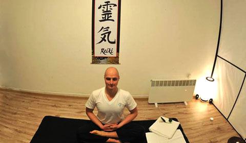 Тайландски лечебен масаж на гръб, врат и глава!