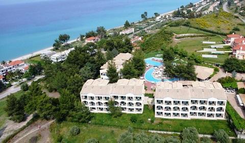 Ранни резервации: 3 нощувки със закуски и вечери в Lesse Hotel 4*, Халкидики, Гърция през Май!