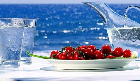 През Август и Септември: 5 нощувки със закуски и вечери в хотел Stavros Beach 3*, Ставрос, Халкидики, Гърция!