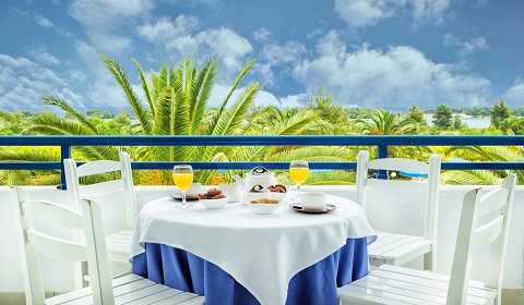 Ранни записвания: 5 нощувки, All Inclusive в хотел Port Marina 3*, Халкидики, Гърция през Май!