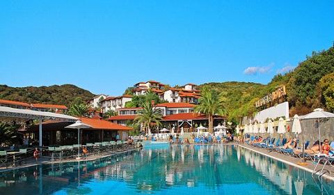 Ранни резервации: 3 нощувки, All Inclusive в Aristoteles Holiday Resort & Spa 4*, Халкидики, Гърция през Май!