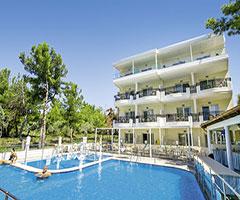 5 нощувки със закуски в Sirines Hotel 2*, о.Тасос, Гърция през Юли и Август! Дете до 5.99г. - безплатно!