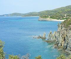 Ранни резервации: 3 нощувки със закуски и вечери в хотел Azapiko Blue Sea 2*, Халкидики, Гърция през Май и Юни! Деца до 11.99г. - безплатно!