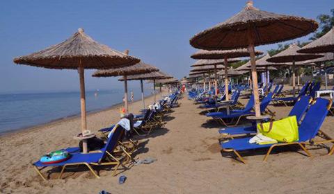5 нощувки със закуски и вечери в хотел Melissa 2*, Халкидики, Гърция през Септември!