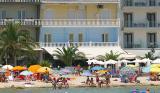 През Септември: 3 нощувки със закуски и вечери в хотел Zografos 2*, Олимпийска ривиера, Гърция!