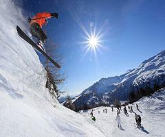 Ски ваканция през Януари: 7 нощувки със закуски и вечери + СПА + карта за лифта в Sport Hotel Vittoria 4*, Пасо Тонале, Италиански Алпи!