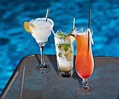През Септември: 3 нощувки със закуски и вечери в хотел Kronos 3*, Олимпийска Ривиера, Гърция! Дете до 13.99г. - безплатно!