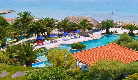 Почивка в Гърция през м.Юли и м.Август! 5 нощувки със закуски и вечери в хотел Mendi 4*, Халкидики!