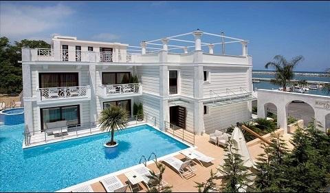 Майски празници: 3 нощувки със закуски и вечери в Royal Palace Resort & Spa 4*, Олимпийска ривиера, Гърция!