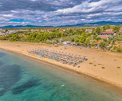 Ранни записвания: 5 нощувки със закуски и вечери в хотел Coral Blue Beach 3*, Халкидики, Гърция през Август и Септември!