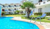 7 нощувки със закуски и вечери в хотел Dolphin Beach 3*, Халкидики, Гърция през Юли и Август! Дете до 13.99г. - безплатно!