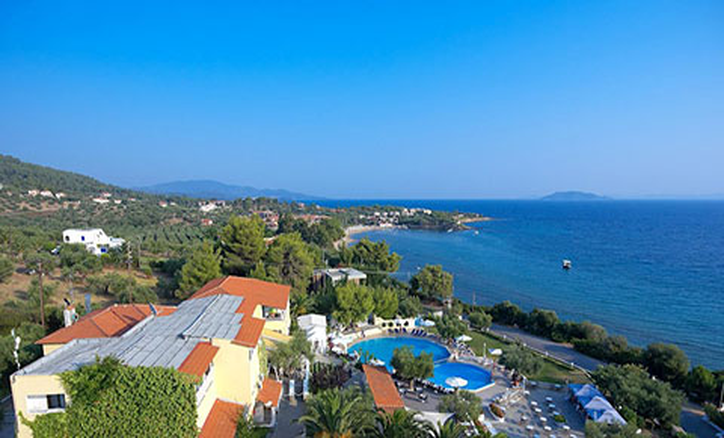 Почивка в Гърция през Юни! 5 нощувки със закуски и вечери или All Inclusive в хотел Elea Village 3*, Халкидики!